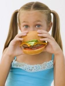 criança hambúrguer