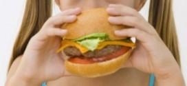 Os 10 piores alimentos para as crianças